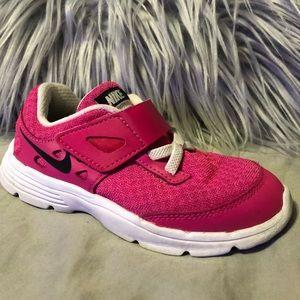 Nike pink running shoes toddler girls size 9
